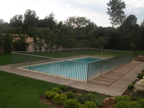 Fence up - Pool inaccessible - PAREO
